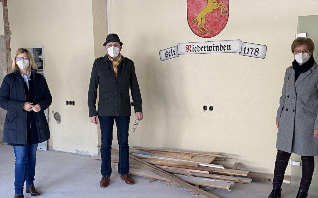 In Winden tut sich was: Jutta Zeisset informiert sich in Niederwinden